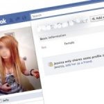 Gặp họa khi khoe ảnh cá nhân trên Facebook