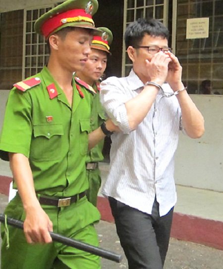 Hòa bị bắt Lưu giữ clip sex tống tiền bà chủ