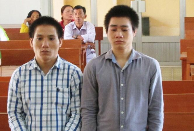 Hai đối tượng bị kết án khi cướp đồ của khách nước ngoài
