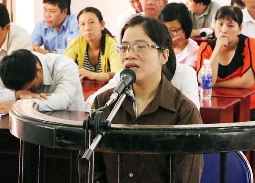Kế toán Việt bị án tù chung thân vì tội ăn cắp từ các quỹ cứu trợ