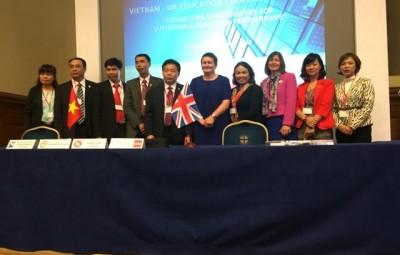 Lễ ký kết biên bản ghi nhớ của ACCA tại Hà Nội