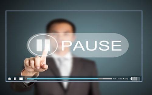 Doanh nghiệp nên tạm ngừng kinh doanh hay giải thể công ty?