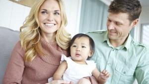 Thủ tục nhận xin con nuôi ở Việt Nam cho người nước ngoài