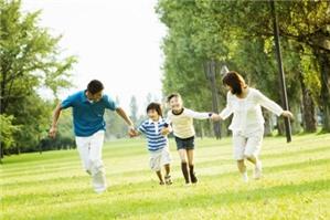 Hạn chế về các quyền của cha mẹ đối với con chưa thành niên