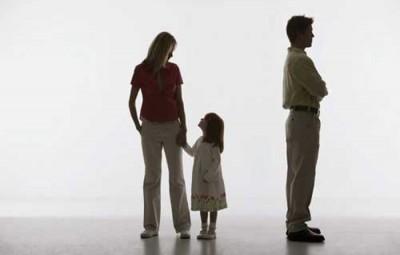 Thay đổi người trực tiếp nuôi con sau khi ly hôn như thế nào?